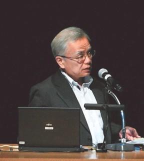 除染の長期目標について語る平岡審議官